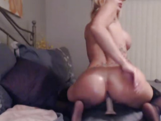 Lovely Blonde With Tight Pussy Masturbate Solo