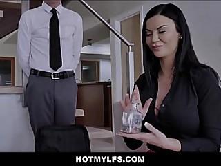 Hot Brunette Stepmom Sex With Boy Stepson While Best Friends Watch